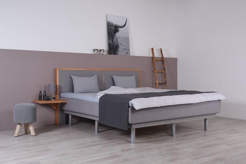 Wasserbett mit Schwebesockel + Topper + Nachttisch + Wandpaneel Duetto V