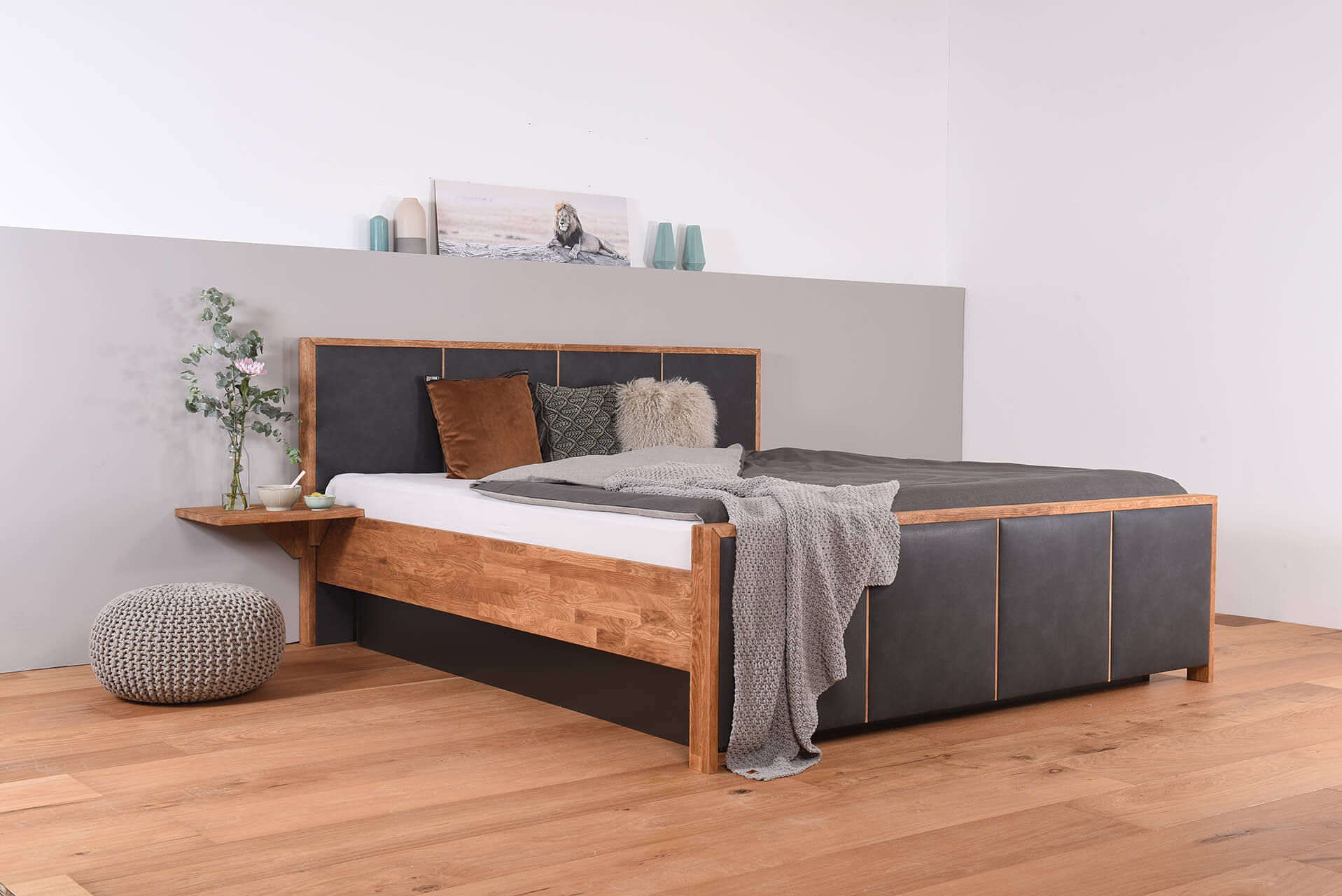 wasserbett mit geschlossenem sockel bettrahmen suma quaddro nachttischablage laken suma. Black Bedroom Furniture Sets. Home Design Ideas
