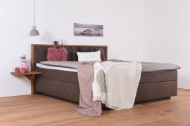 Wasserbett in Boxspringoptik + Wandpaneel Quaddro + Topper + Nachttischablage + Laken