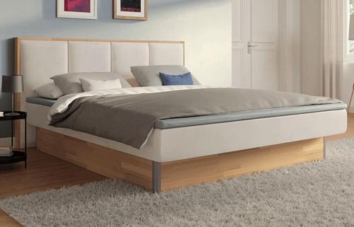 Freistehende Betten